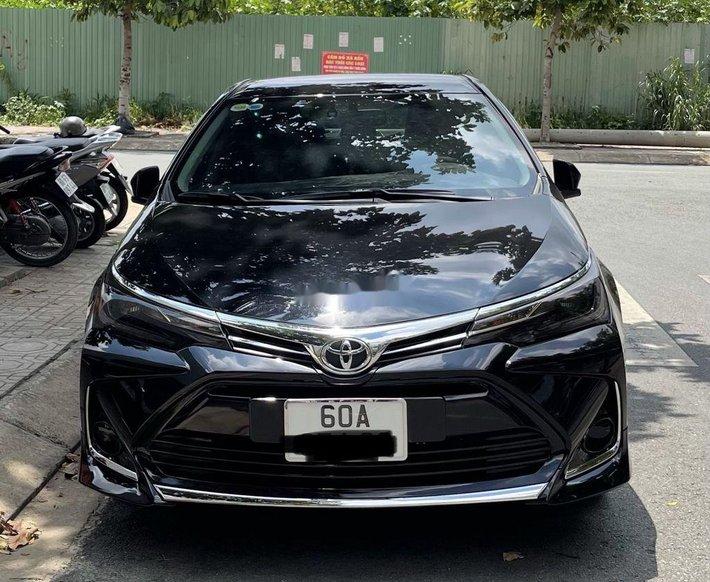 Cần bán gấp Toyota Corolla Altis sản xuất 2020, màu đen, xe nhập chính chủ, giá tốt0