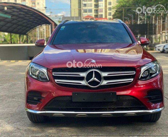 Bán Mercedes GLC300 sản xuất năm 2016, màu đỏ0