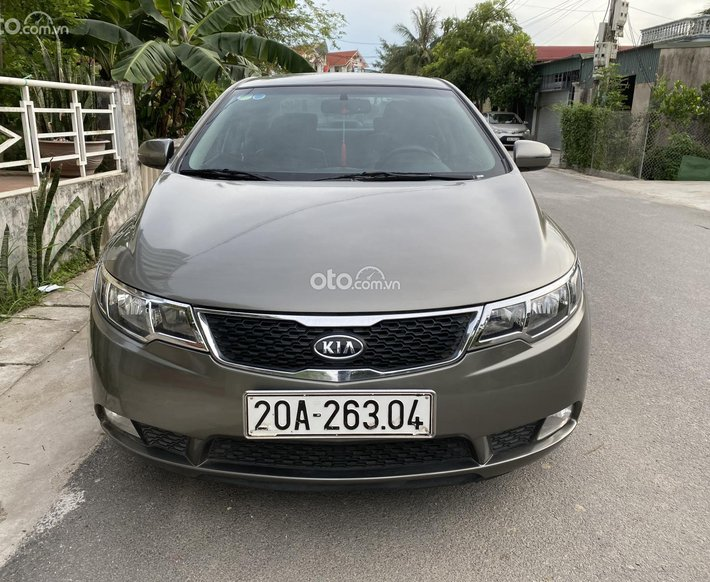 Cần bán xe Kia Forte 1.6AT năm 2012 cửa nóc, số gẩy thể thao0