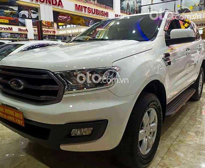Cần bán Ford Everest năm 2019, màu trắng, xe nhập còn mới0