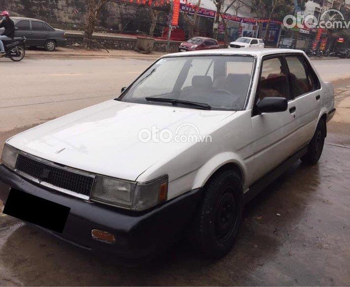 Bán Toyota Corolla đời 1989, màu trắng, xe nhập, giá 20tr0