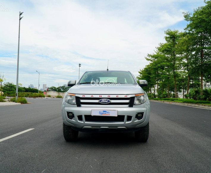 Cần bán Ford Ranger XlS 2.2 AT năm 20150