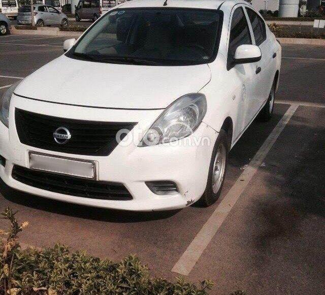 Thanh lý lô 12 xe Nissan Sunny MT 20140