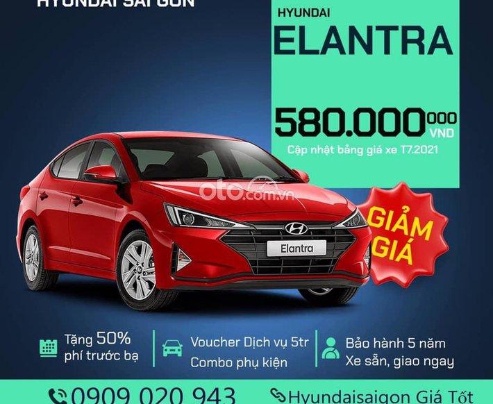 Bán Hyundai Elantra đời 2021, màu đỏ0