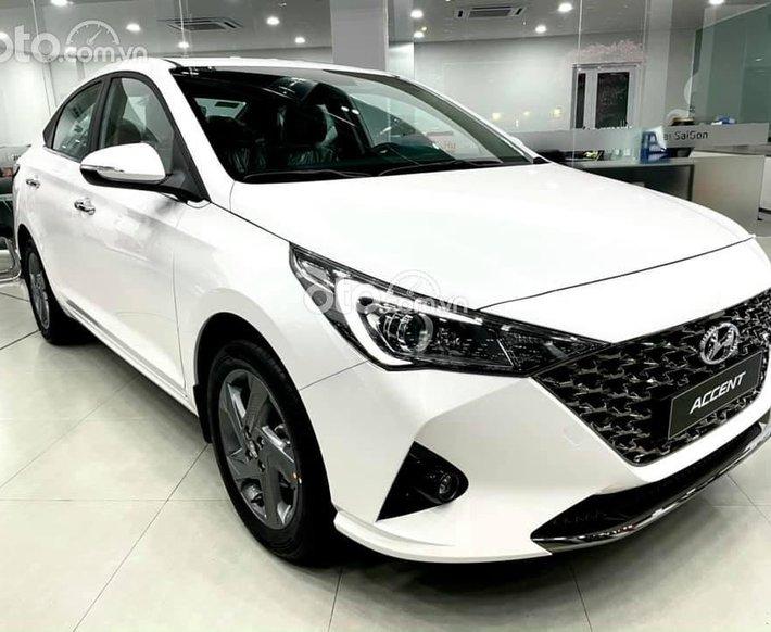 Bán xe Hyundai Accent MT Full sản xuất năm 2021, màu trắng0