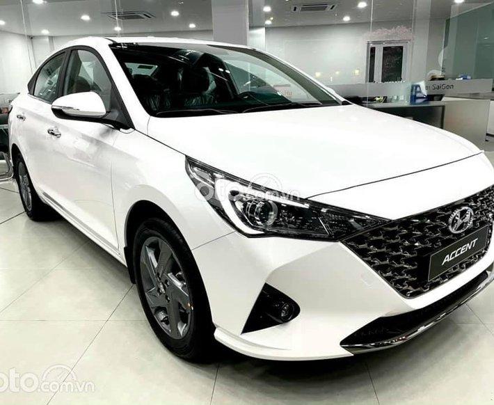 Cần bán Hyundai Accent AT sản xuất năm 2021, màu trắng, giá chỉ 505 triệu0