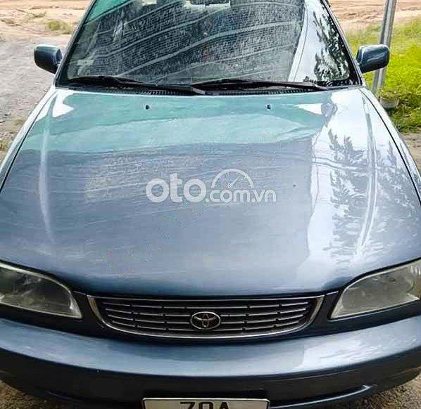 Cần bán gấp Toyota Corolla sản xuất năm 2000, màu xanh lam còn mới0