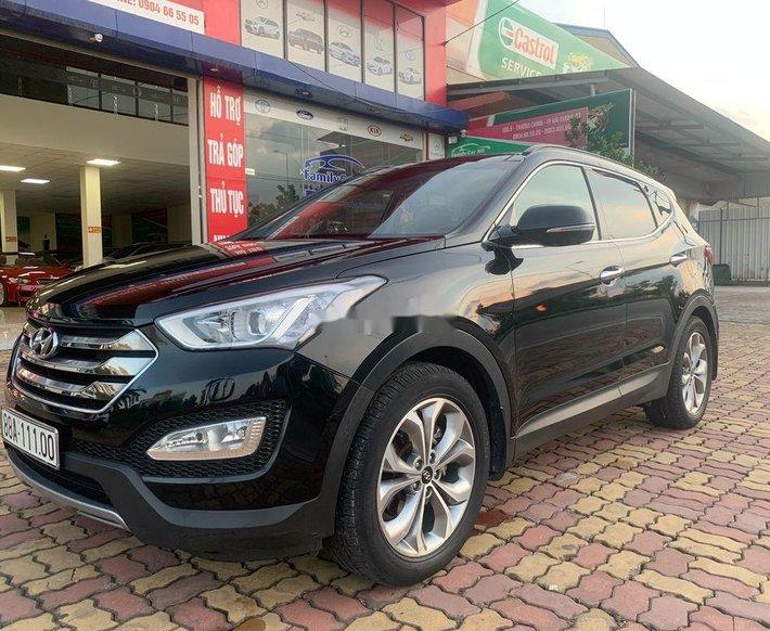 Cần bán Hyundai Santa Fe sản xuất năm 2015, màu đen0