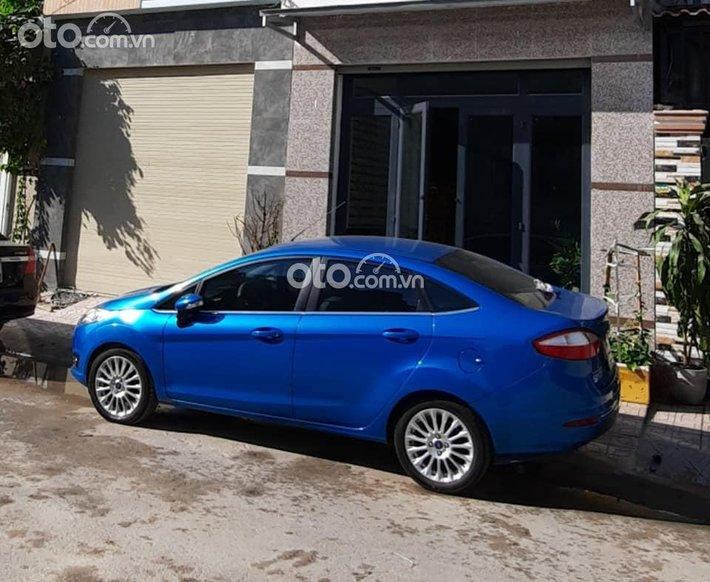 Bán Ford Fiesta Titanium năm sản xuất 2016, màu xanh lam xe gia đình, 399 triệu0
