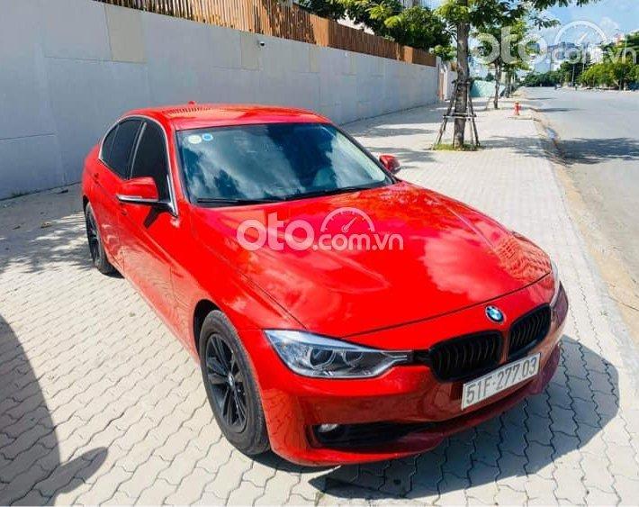 Bán BMW 320i đời 2015, màu đỏ, 830tr0