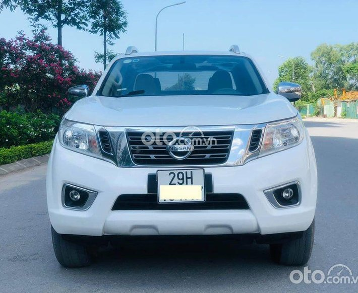 Cần bán xe Nissan Navara 2.5 Premium 2018, màu trắng0