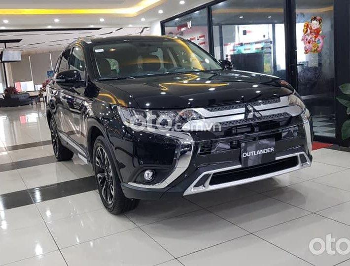 Cần bán xe Mitsubishi Outlander 2.0 CVT Premium sản xuất 2021, màu đen - Tặng trước bạ 48tr0