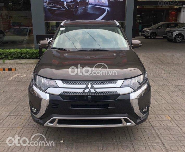 Bán Mitsubishi Outlander 2.0 CVT năm sản xuất 2021, màu nâu - Tặng máy lọc không khí0