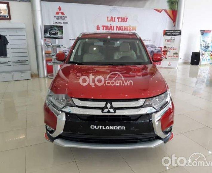 Cần bán xe Mitsubishi Outlander 2.0 CVT Premium sản xuất 2021, màu đỏ, giá 950tr0