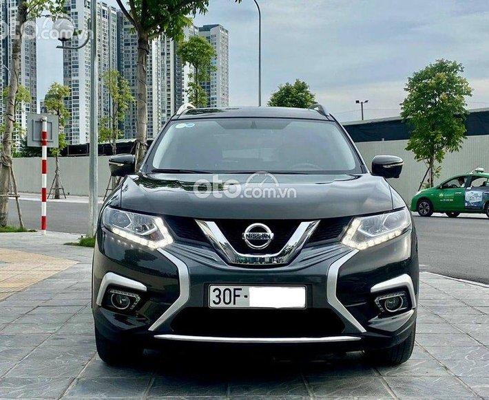 Cần bán xe Nissan X trail đời 2018, màu đen, xe nhập như mới0