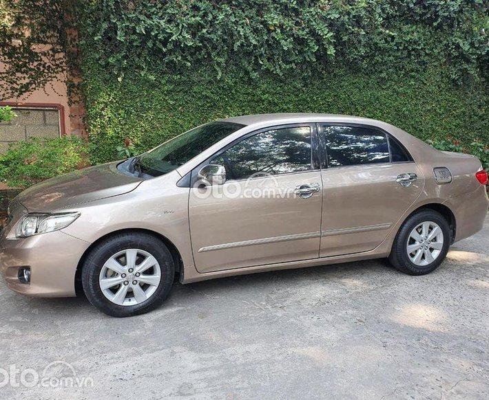 Cần bán Toyota Corolla 2008, màu nâu số tự động, giá tốt0