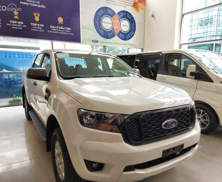 Ford Ranger XLS AT 2021 lắp ráp trong nước giảm cực sâu, giá tốt cạnh tranh0