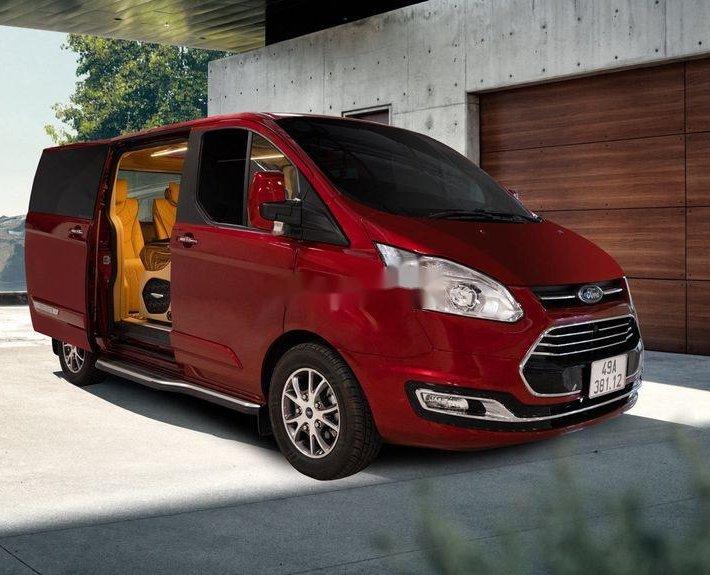 Bán ô tô Ford Tourneo 6 chỗ sản xuất năm 20210