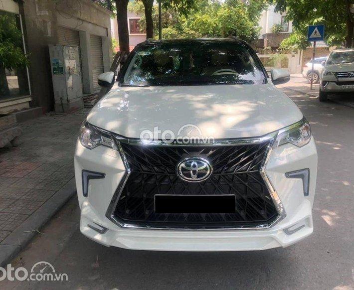 Cần bán lại xe Toyota Fortuner 2018, xe nhập số tự động, giá 980tr0