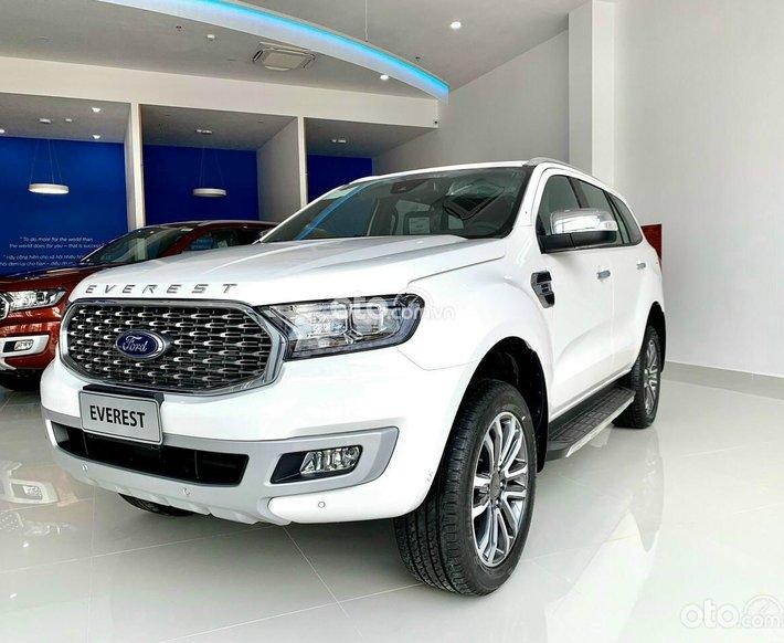 Cần bán xe Ford Everest Titanium 4WD 2021, giá 1tỷ 315, màu trắng new, sản xuất năm 20210
