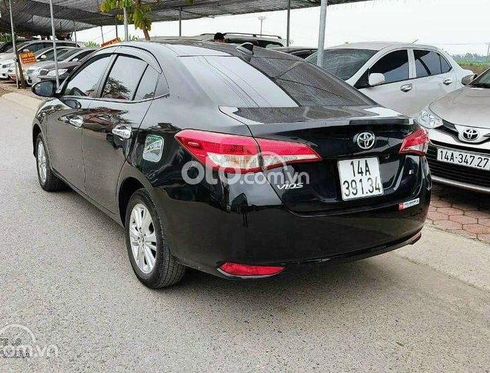 Bán Toyota Vios năm 2019, màu đen xe gia đình, giá tốt0