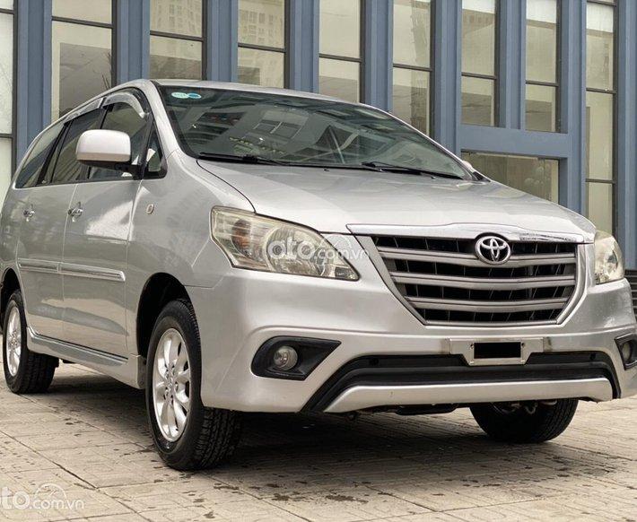 Xe Toyota Innova năm sản xuất 2014, 365 triệu màu bạc, còn nguyên vẹn0