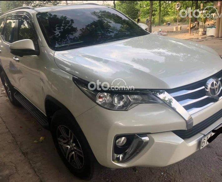 Cần bán lại xe Toyota Fortuner sản xuất 2020, màu trắng, 910tr0