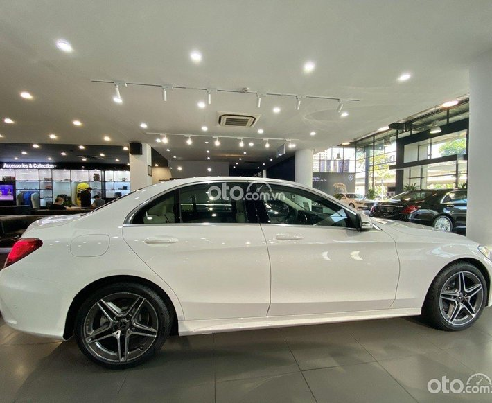 [Mercedes Quảng Ninh] Mercedes-Benz C180 AMG new 2021 - hỗ trợ trả góp 85%, hỗ trợ hồ sơ nợ xấu0