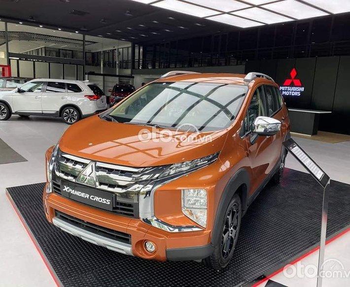 Mitsubishi Xpander Cross 1.5 AT 2021-- giá tốt, hỗ trợ 50% thuế trước bạ cùng nhiều ưu đãi lớn trong tháng 70