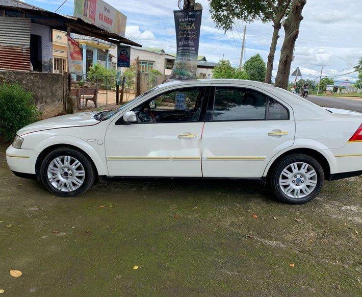 Cần bán Ford Mondeo sản xuất năm 2003, màu trắng số tự động0