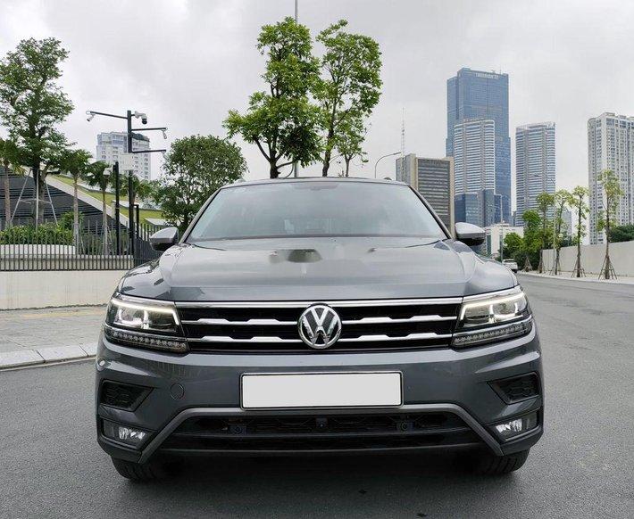Cần bán gấp Volkswagen Tiguan đời 2019, màu xám, nhập khẩu nguyên chiếc chính chủ0