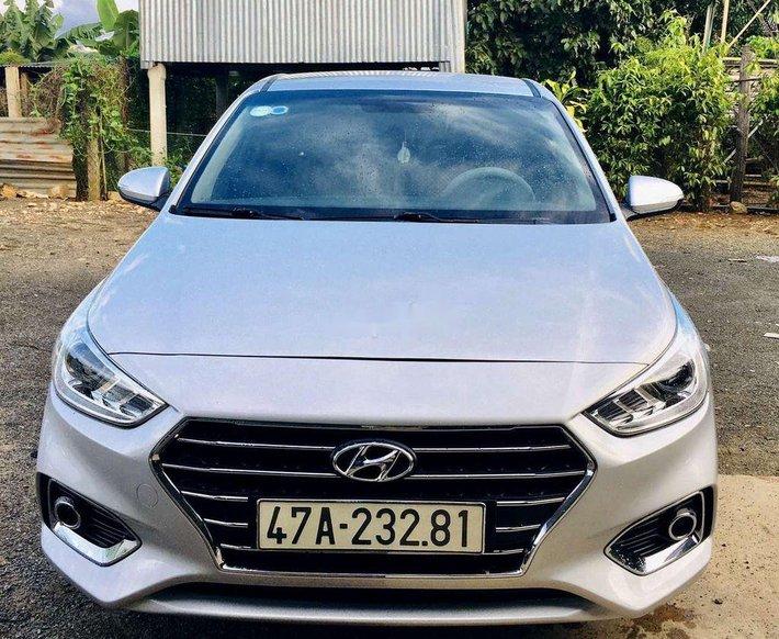 Cần bán lại xe Hyundai Accent 2018, màu bạc, nhập khẩu nguyên chiếc số sàn0