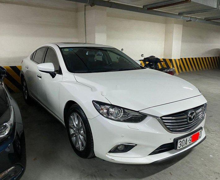 Cần bán lại xe Mazda 6 sản xuất năm 2016, màu trắng chính chủ, giá 610tr0
