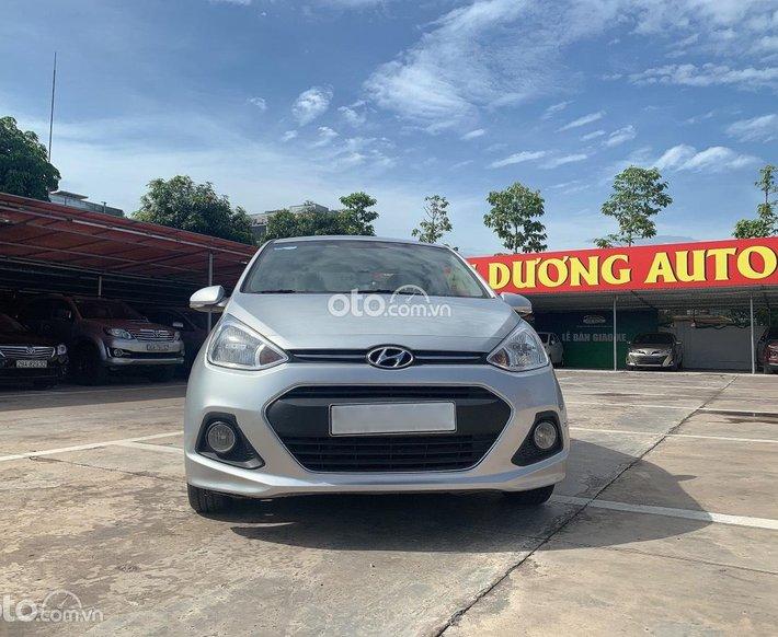 Cần bán Hyundai Grand i10 năm sản xuất 2017 nhập khẩu Ấn Độ, màu bạc cực đẹp, biển Hà Nội0