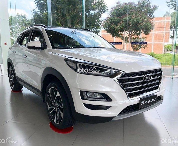 Hyundai An Khánh 3S: Hyundai Tucson KM trực tiếp tiền mặt phụ kiện chính hãng - hỗ trợ trả góp 85% - sẵn xe giao ngay0