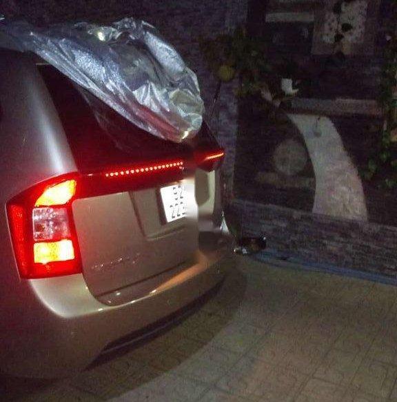 Cần bán xe Kia Carens năm sản xuất 2014, giá tốt0