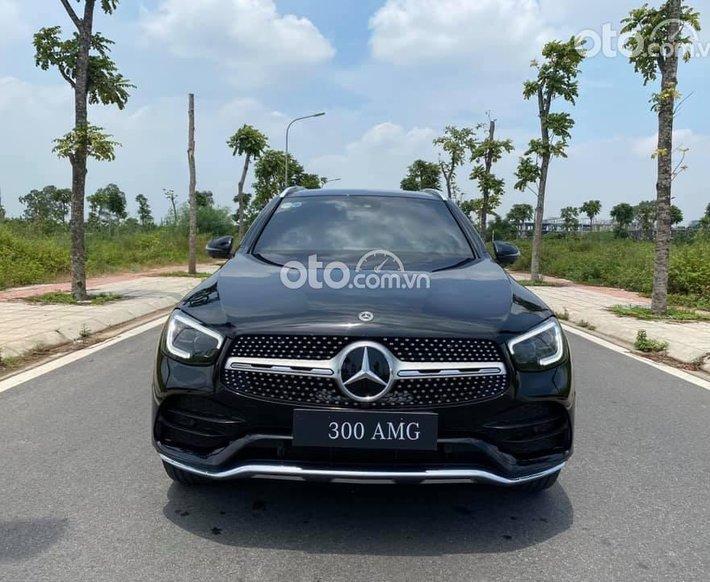 Bán ô tô Mercedes GLC 300 đk 2020, màu đen siêu mới0