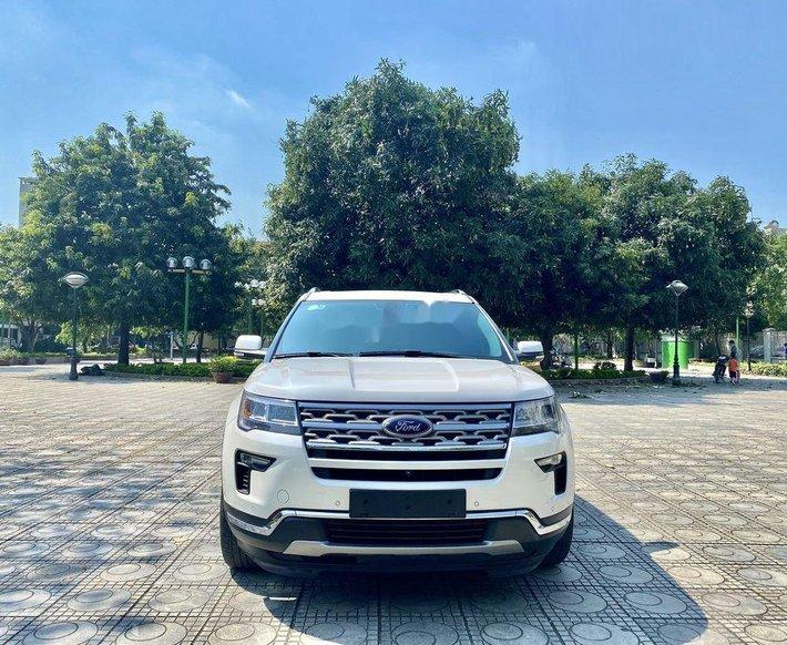 Cần bán gấp Ford Explorer năm sản xuất 2018, nhập khẩu còn mới0