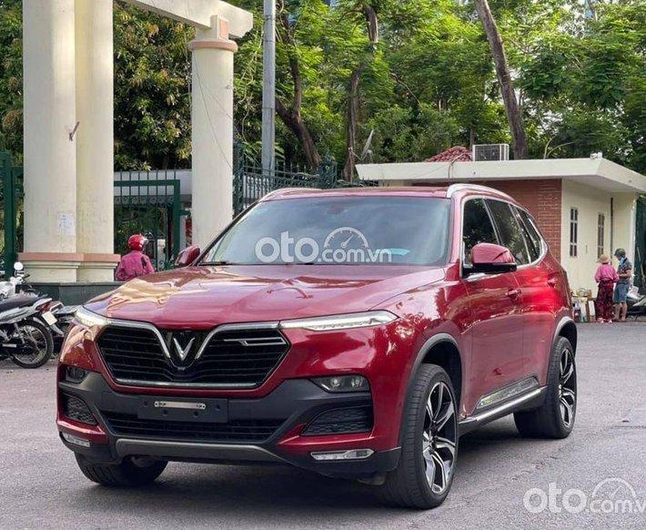 Bán ô tô VinFast LUX SA2.0 Premium đời 2019, màu đỏ0