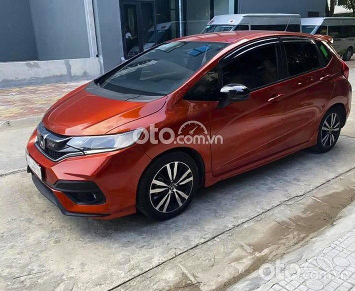 Bán Honda Jazz RS năm sản xuất 2018, màu đỏ, xe nhập0