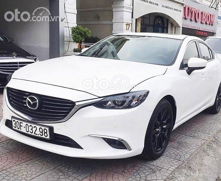 Cần bán xe Mazda 6 năm 2017, màu trắng còn mới, giá 635tr0