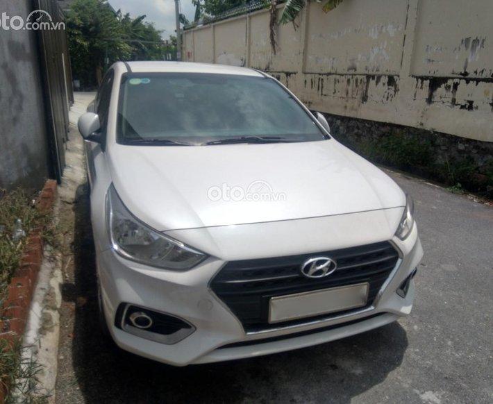 Cần bán gấp Hyundai Accent sản xuất 20200