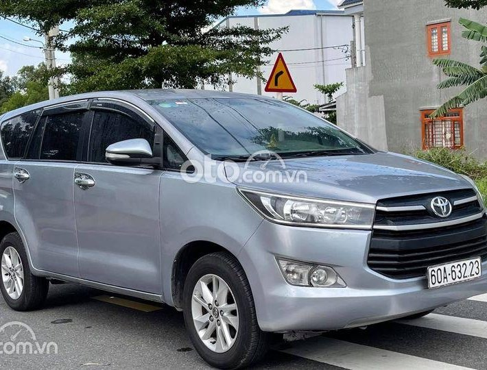 Bán Toyota Innova E đời 2017, số sàn0