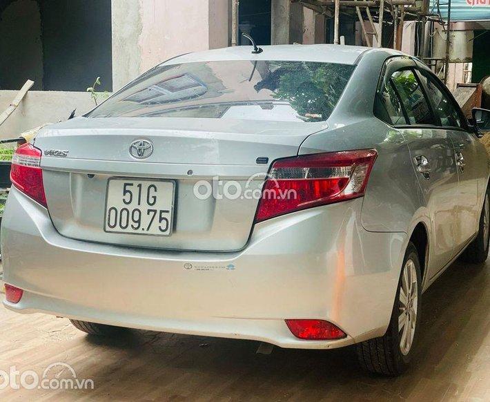 Bán ô tô Toyota Vios năm sản xuất 2017, màu bạc số sàn, 359tr0