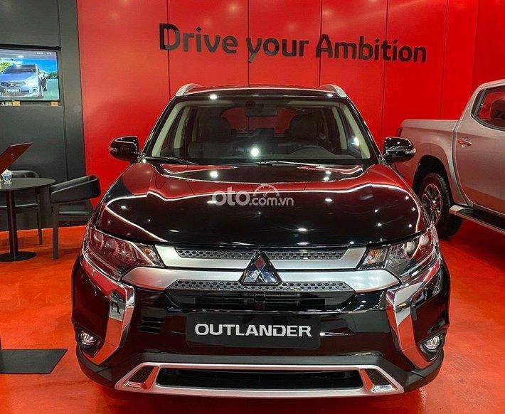 Bán Mitsubishi Outlander Sport 2021 giảm 50% thuế trước bạ, tặng bảo hiểm thân vỏ, kèm nhiều quà tặng khác0