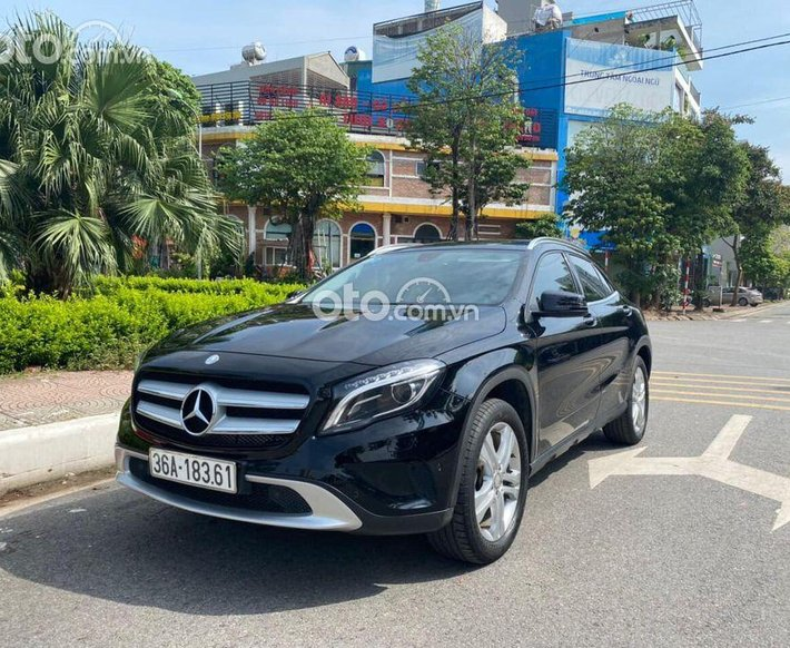 Cần bán xe Mercedes GLA 200 sản xuất 2016, màu đen, giá chỉ 839 triệu0