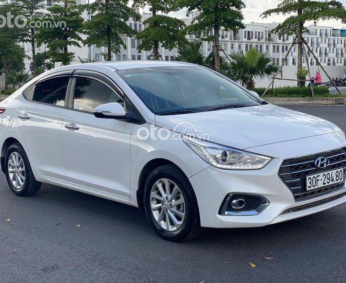 Cần bán lại xe Hyundai Accent 1.4 năm 2019, màu trắng giá cạnh tranh0