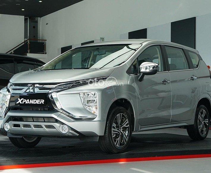 Cần bán xe Mitsubishi Xpander MT 2021, màu bạc0