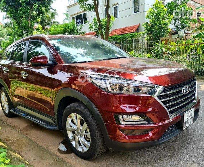 Cần bán gấp Hyundai Tucson đời 2019, màu đỏ0