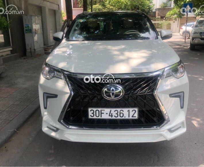 Bán Toyota Fortuner sản xuất 2018, màu trắng, xe nhập số tự động0